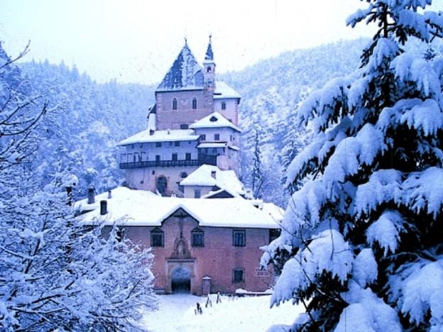 il santuario sotto la neve