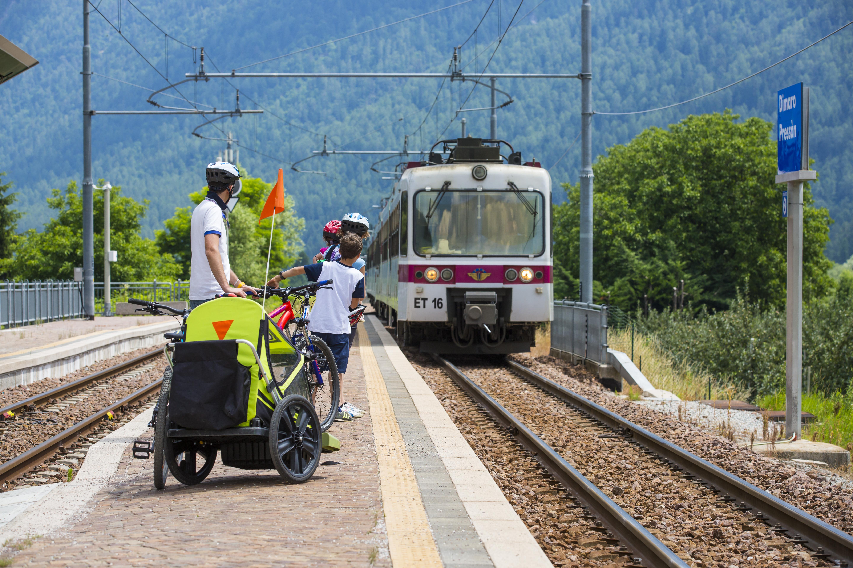 ciclabile da fare in trentino prova il servizio bike + treno