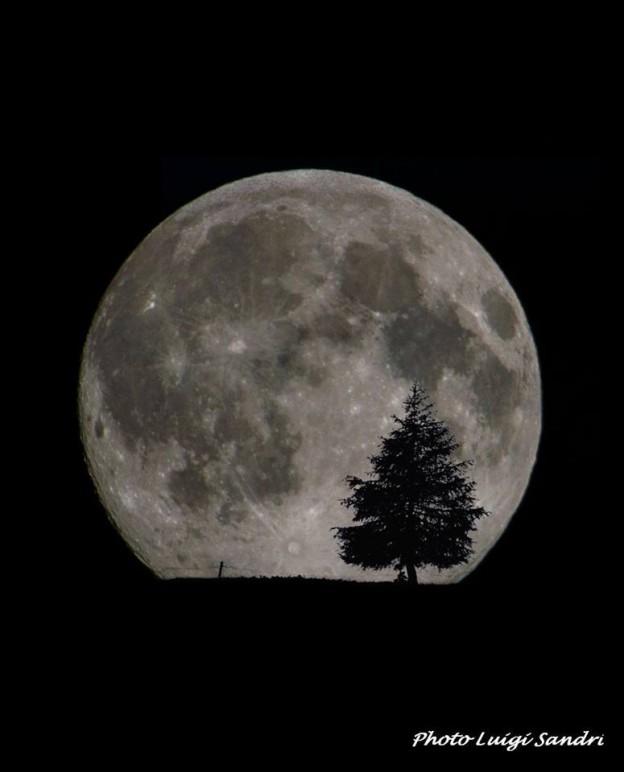 Luna Piena in Val di Nnon by Luigi Sandri