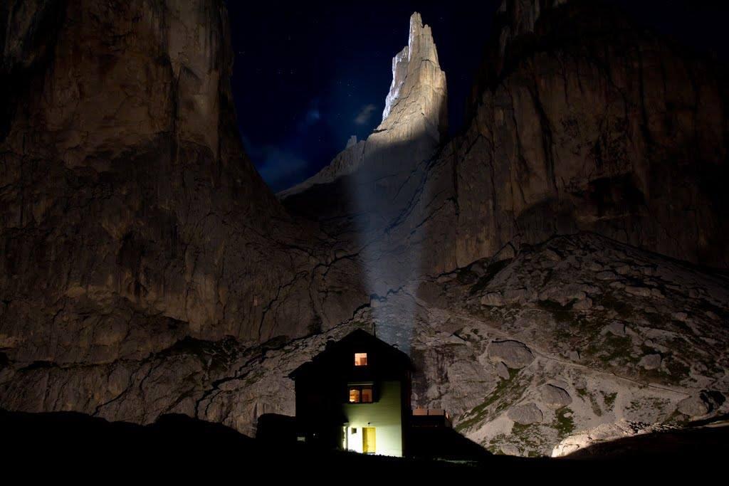 Una sera d'estate sotto le - Torri del Vajolet - Foto Luca Rigato©