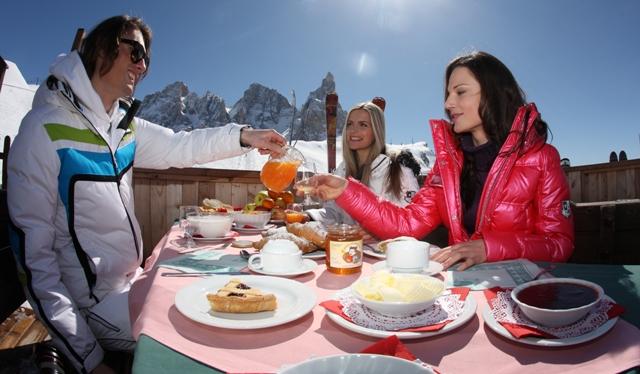 Colazione all'alba nei rifugi del Trentino