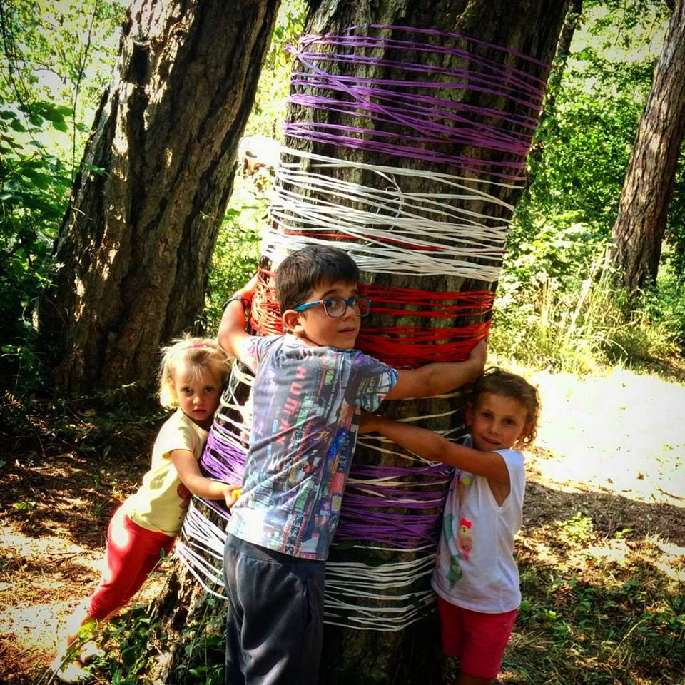 Contest Free Hugs ABBRACCIAMOLO #pinetamonamour #larch #freehugs
