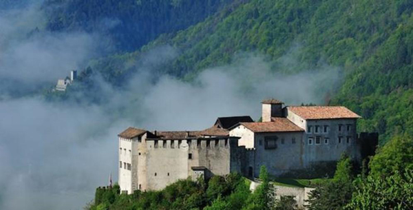 beautiful castles in Trentino