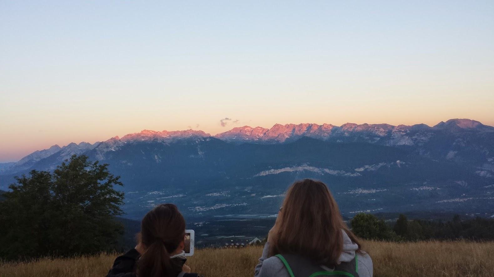 Enrosadira sulle Dolomiti di Brenta, un'alba da fotografare