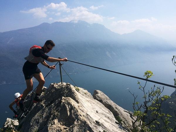 Sulla ferrata di CIma Capi a picco sul lago di Garda