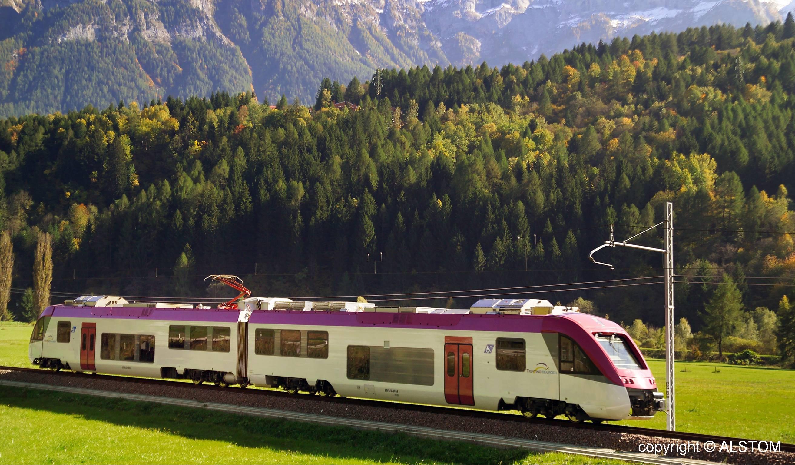 foto treno Trento Malè