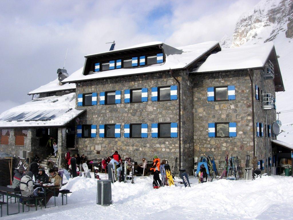 Il Rifugio Graffer in versione invernale