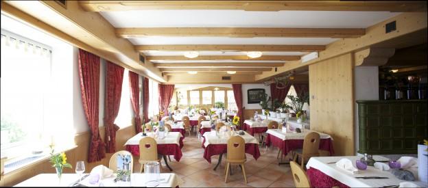 Offerte lavoro Trentino Val di Non: cucina, bar, reception, SPA