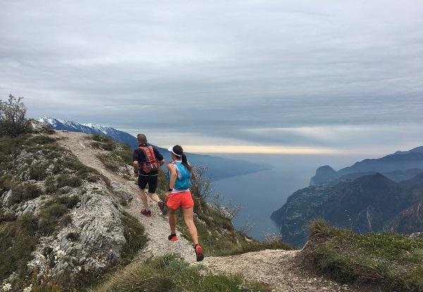 Il lago di Garda dal sentiero delle creste