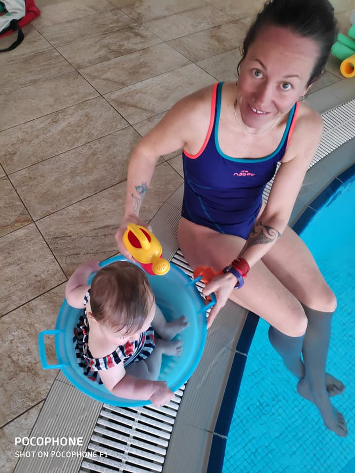 Eccomi sono Eva Nieminski, e tengo corsi di acquaticità neonatale (foto dal mio profilo Facebook)