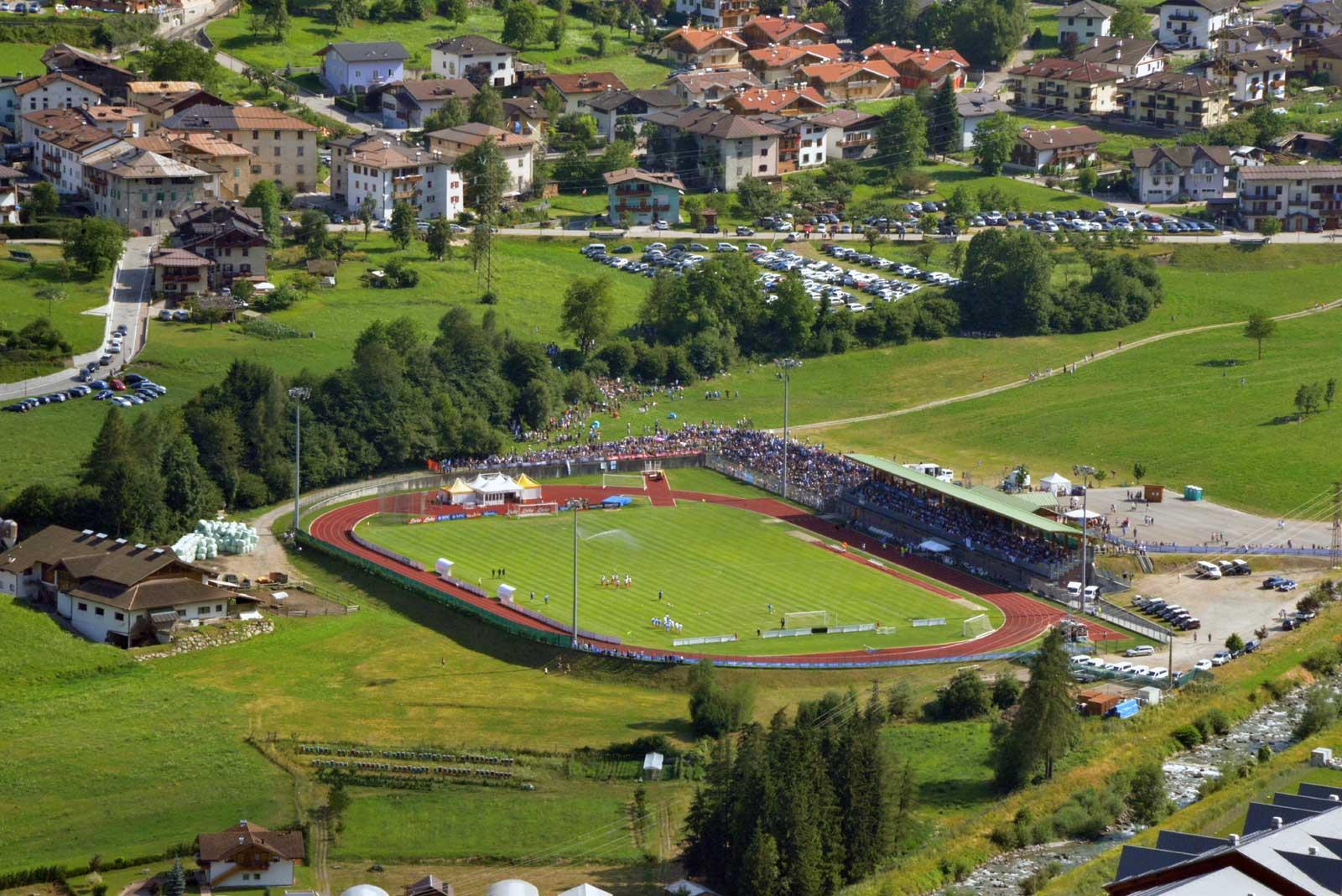 Il bellissimo centro sportivo dove si allena in Napoli durante il ritiro a Dimaro