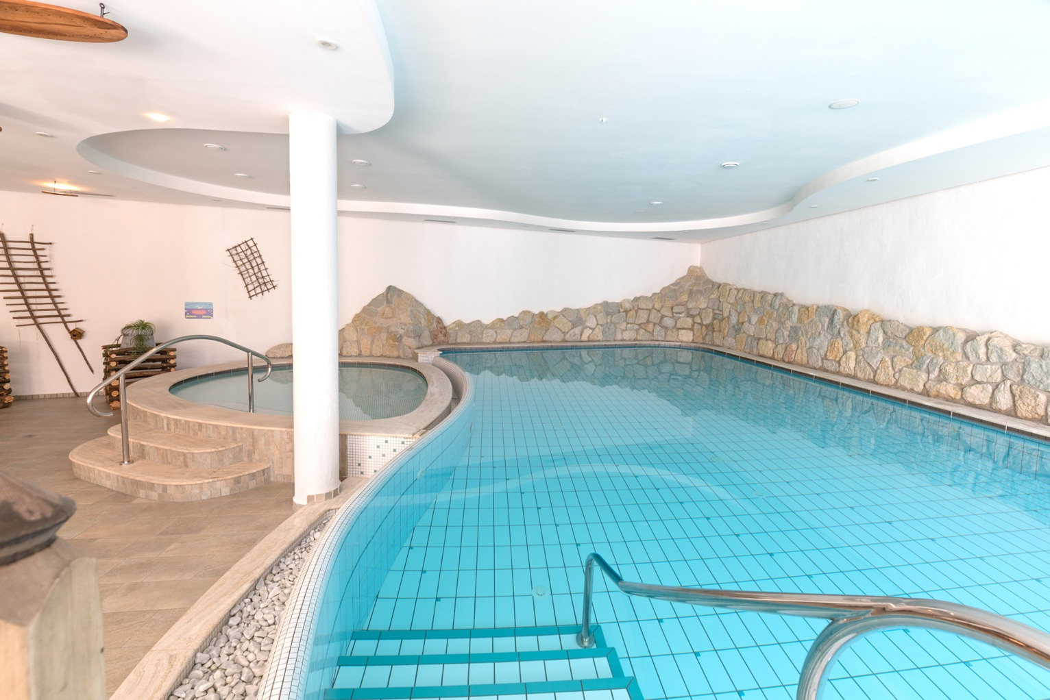 La nostra piscina relax dove puoi goderti momenti di benessere