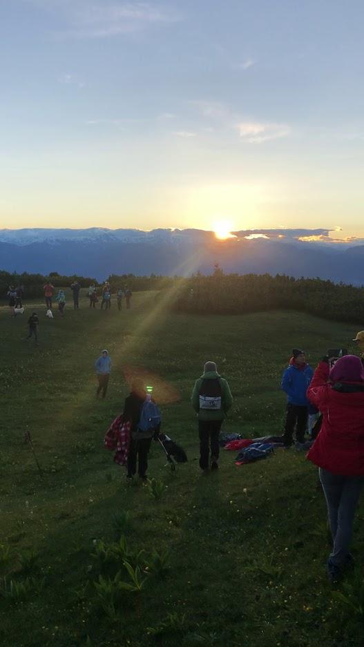 Tutti a godersi il tramonto, Roen vetta
