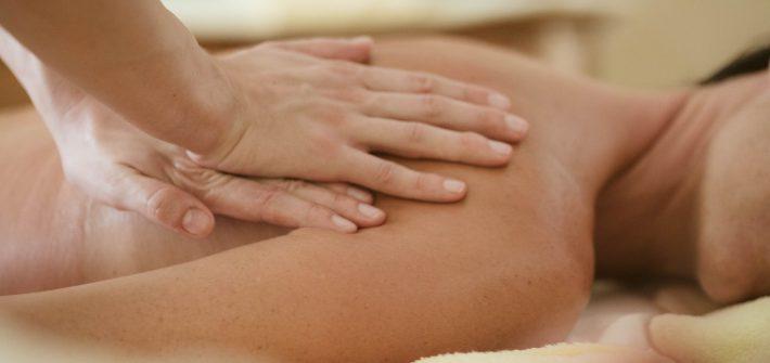 Massaggio-trattamento-deluxe-PINETA_nature-SPA
