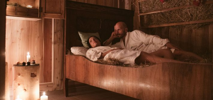 Relax di coppia in baita al fieno-Trattamento-deluxe-PINETA_nature-SPA
