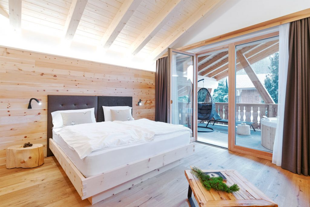 Junior Sute Ciclamino-pineta-nature-resort -letto