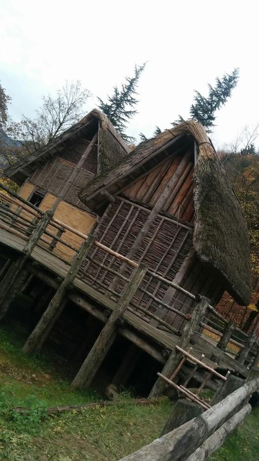 palafitta-ricostruita-ledro-bifamily
